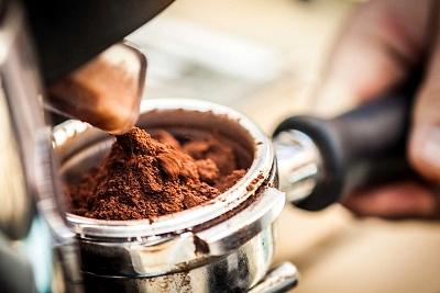 Házi praktikák kávéval és zaccal: a kerttől a konyháig