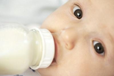 A védőnő válaszol: miért sír a baba, mennyit kell ennie….?