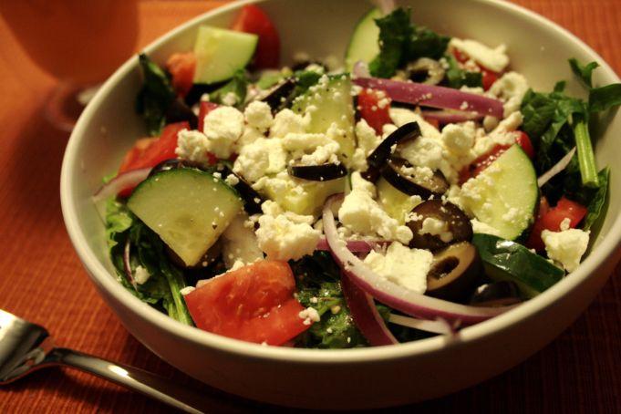Így készül a görög saláta