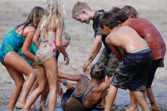 Nyaralás, tábor, munka – avagy variációk a vakációra
