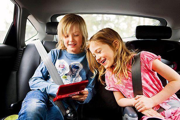 Hosszú autóút gyerekekkel?
