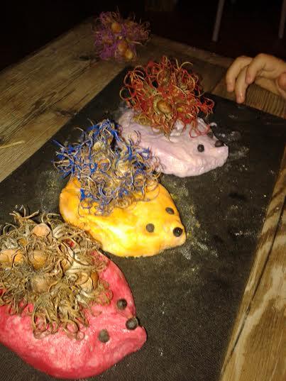 Így készíts aranyos süniket a mogyoróbokor terméséből