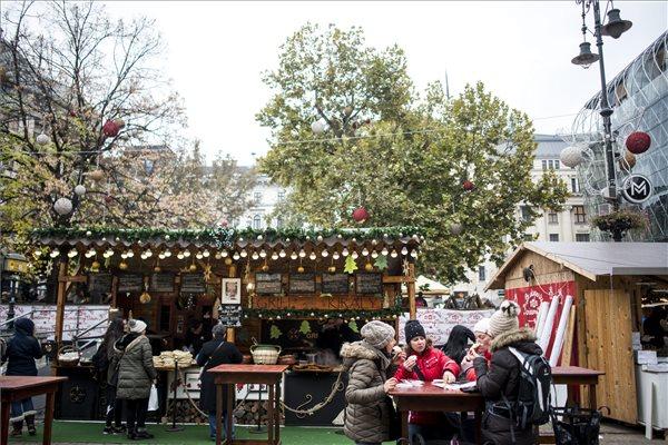 Megnyílt a Budapesti Karácsonyi Vásár: hangolódj Te is az ünnepre!