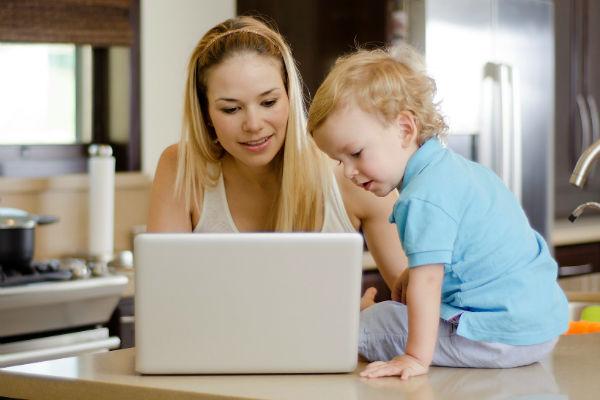 Dolgozó anyukák megvalósítható újévi fogadalmai: ezeket be is tudod tartani
