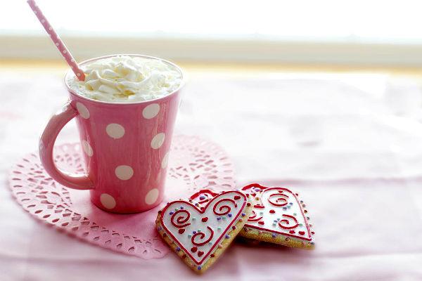 Mennyei epres forró csoki: ez az ital garantáltan felmelegít