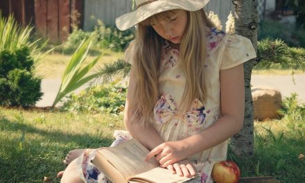 A rabul ejtő könyvek – Ha ezeket adod gyermeked kezébe, nem fog unatkozni a szünidőben