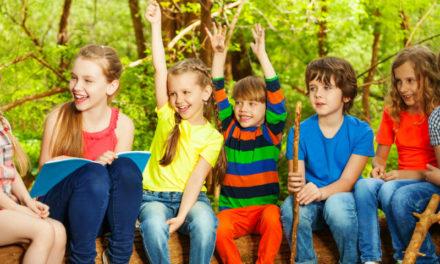 Egyedül akar már nyaralni a gyerek? – Tippek: mit (ne) tegyél a bőröndbe