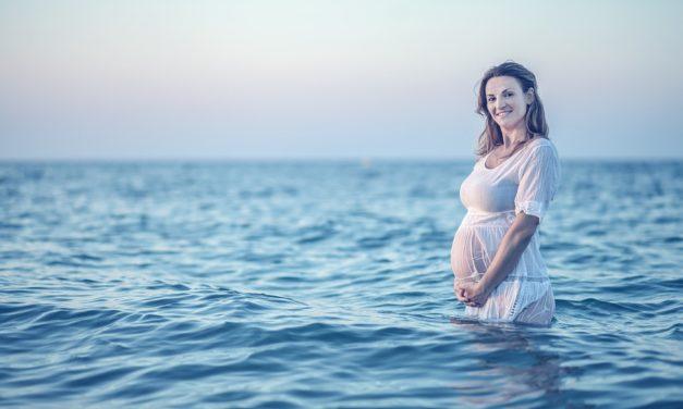Hogyan éld túl várandósan a legmelegebb nyári napokat? Íme, a nőgyógyász tippjei!