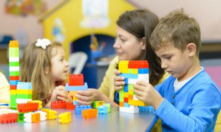 Boldogabbak azok a családok, amelyek többet játszanak, azonban még a gyerekek is azt állítják, hogy olykor túl elfoglaltak játszani