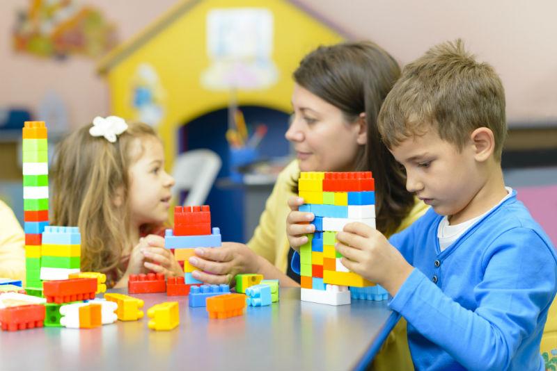 Így játsszunk jól a gyerekkel! Tippek, hogy a közös játék öröm legyen