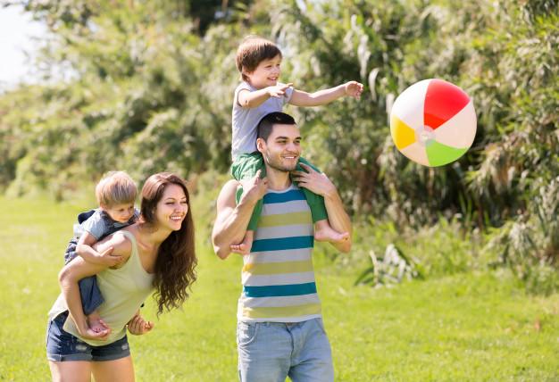 Nyaralási kisokos családoknak – Így az egész család élvezi a közös vakációt