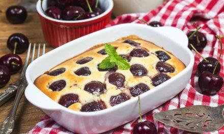 Nyárias clafoutis: mennyei tejpite bogyós gyümölcsökkel