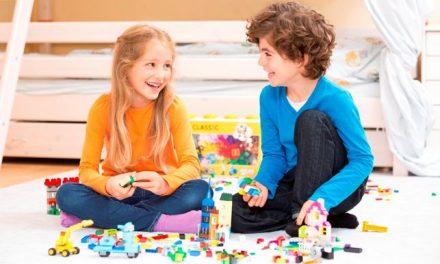 Mit játsszunk a nyáron? – Kreatív játéktippek a LEGO szakértőitől