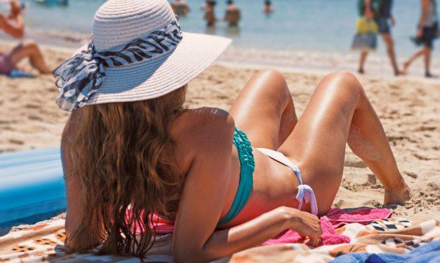 Ilyen a biztonságos nyári napozás: 3 aranyszabály, amit be kell tartani