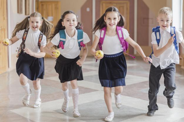 A nagy táska útmutató a szeptemberi tanévkezdéshez: nagy segítség minden szülőnek
