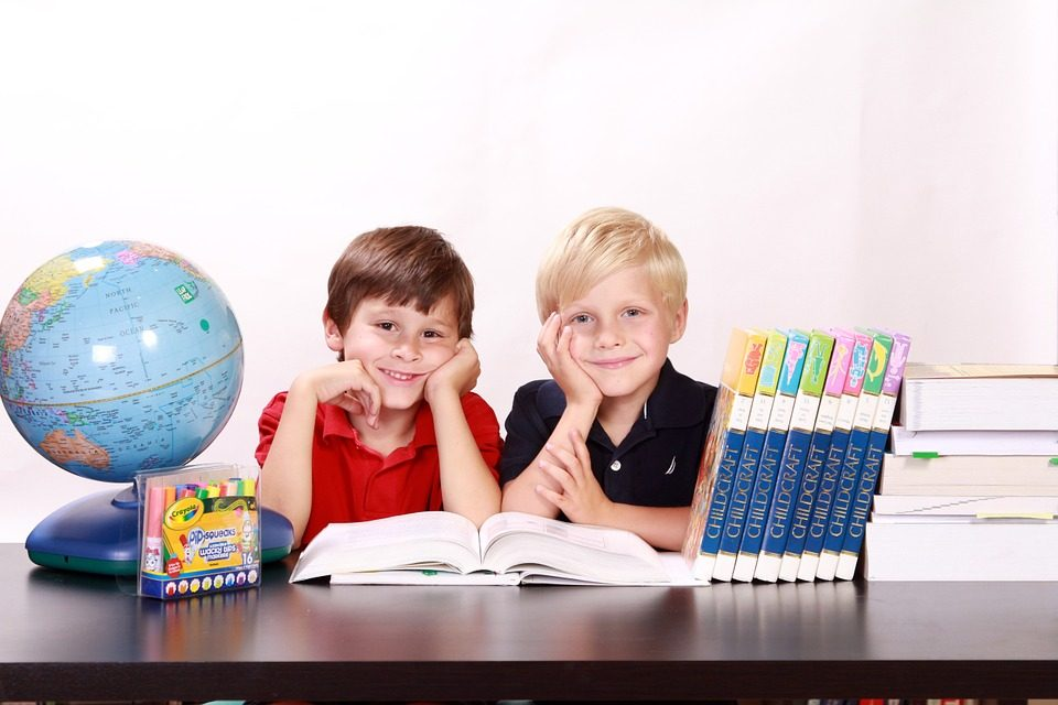 Iskolakezdés: több tízezer forintba kerül az új tanév