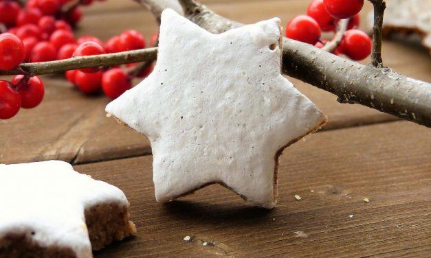 Illatos karácsonyi fahéjas csillagok, avagy a híres német Zimsterne receptje