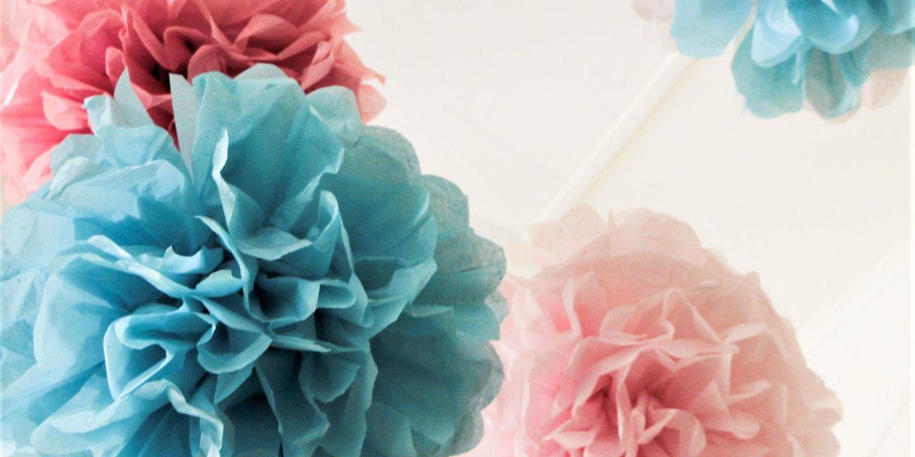 Csodás pompom selyempapírból: így készítsd el a mutatós dekorációt!