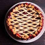 Fantasztikusan omlós, rácsos, meggyes pite: még friss gyümölcsből is elkészítheted
