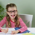 Készülj a sulira: így fejlesztheted gyermeked íráskészségét otthon!