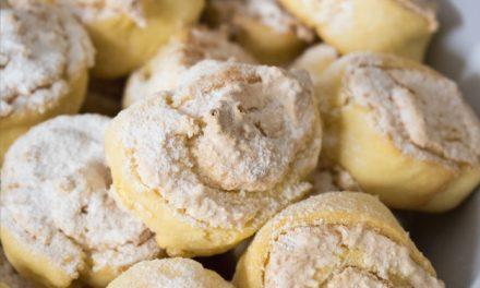 Puha, foszlós kókuszos csiga kelt tésztából: ezekre ügyelj, és tökéletes lesz