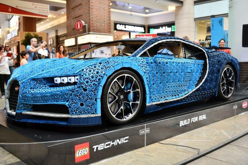 Ezt látnod kell! Budapestre érkezett az életnagyságú LEGO Technic Bugatti Chiron