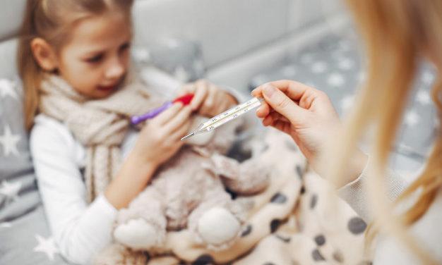 Elkezdődött az iskola: hogyan védjük meg a gyermekeket az őszi megbetegedéstől?