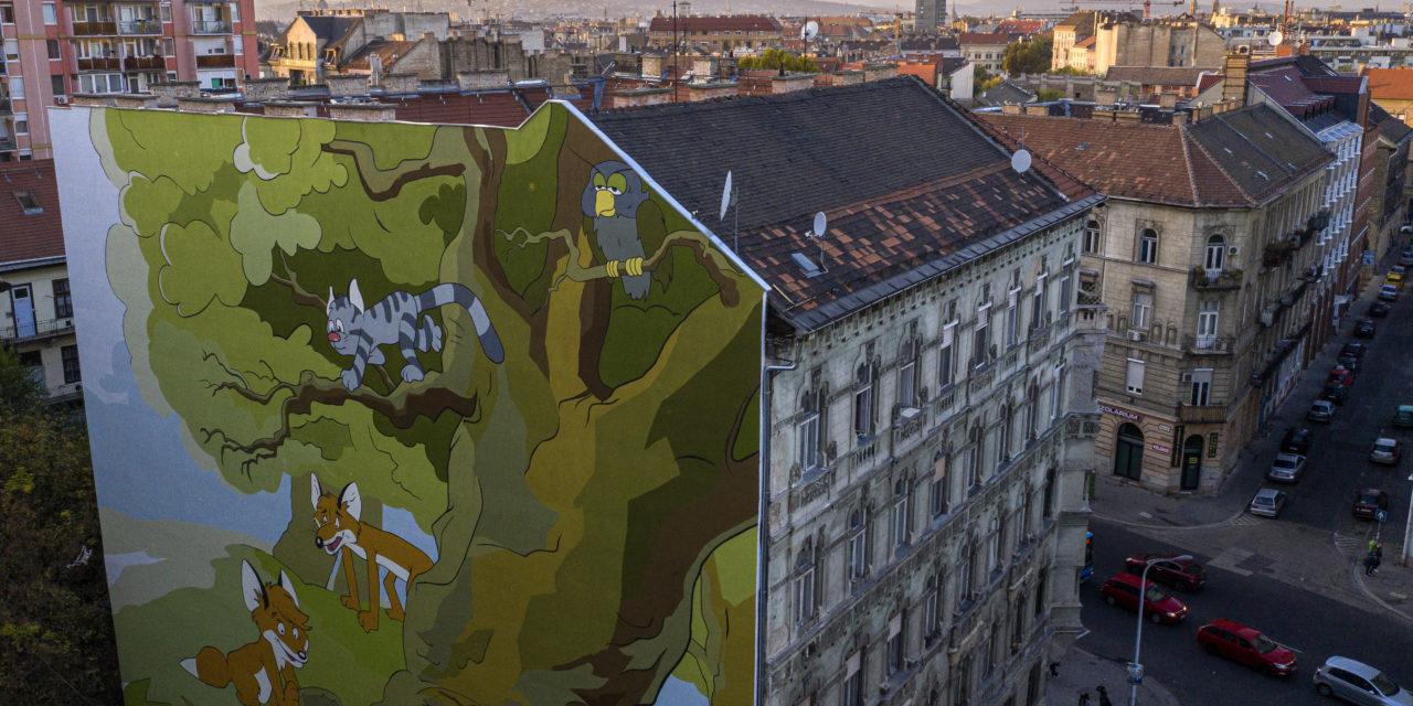 A Vuk című rajzfilm karakterei színesítik egy józsefvárosi ház tűzfalát