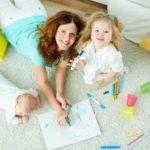 Több mint gyerekvigyázás, lelki támogatás: segítő kéz a kisgyerekesek szolgálatában