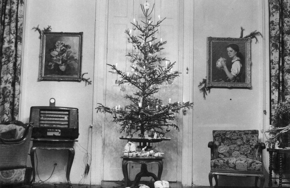 Karácsonyi mese a 40-es évekből A szegényes karácsony is boldog volt