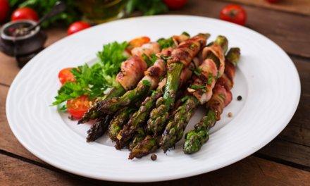 Roppanós spárga baconben sütve: könnyed tavaszi ebéd vagy vacsora