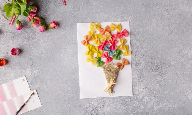 Bájos tésztakép anyák napjára: ezt az ajándékot a legkisebbek is elkészíthetik