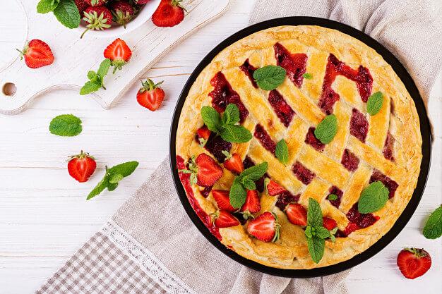 Fantasztikusan omlós epres pite: rácsozva még vonzóbb