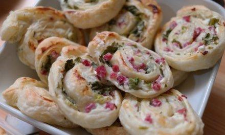 Roppanós spenótos-baconös csiga: leveles tésztából gyors és finom