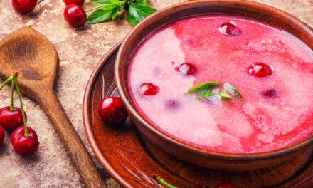 Zamatos meggyleves tejszínnel és pudingporral: behűtve kellemes hűsítő