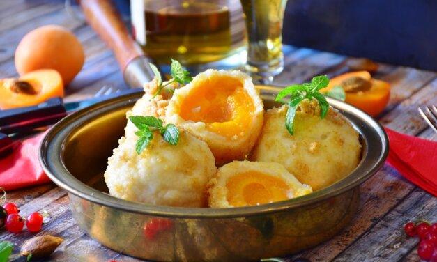 A pihe-puha sárgabarackos gombóc receptje: a nagymama is krumplis tésztából készítette