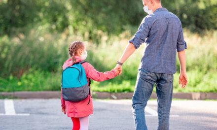 A koronavírus-fertőzésre utaló tünetes gyereket ne engedjenek közösségbe!
