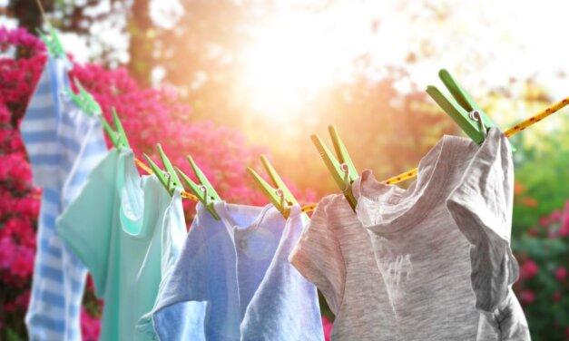 Ezt ne tedd, ha kímélni akarod a ruháidat! A leggyakoribb tévhitek a mosásról