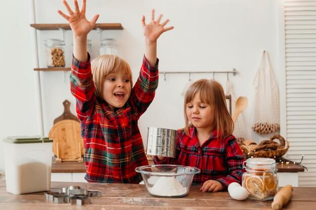 5 tipp, hogy élménygazdag legyen gyermekkel a karácsonyi készülődés