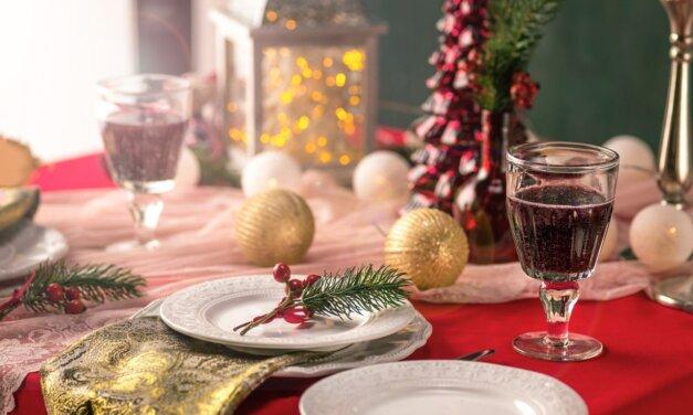 Hagyományos magyar karácsonyi menü szentestére: halászlé, töltött káposzta, zserbó