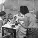 Gyereknevelés régen és ma – Amit nagyanyáink még teljesen máshogy gondoltak