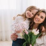 Anyák napi podcast: történetek, vallomások, ötletek – Vendég: Laky Zsuzsi