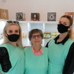 Unokáival együtt nyitott kisboltot a vállalkozónagymama