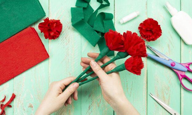 Májusi virágcsokor krepp-papírból: kézműveskedjetek együtt