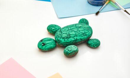 Fess jópofa teknőst a parton gyűjtött kövekre! – és egyéb ötleteket is mutatunk