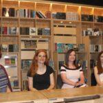 Letehetetlen nyári könyvek tiniknek a szerzők ajánlásával: kamaszkorban semmi nem normális