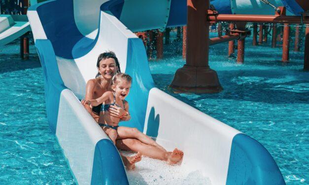 Izgalmas csúszdák és különleges medencék: 9 élményfürdő, ahol az egész család jól érzi magát