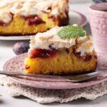 Mennyei habos szilvás süti: egyszerű kevert tészta az alapja